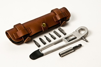 Tool With Brown Case Grande